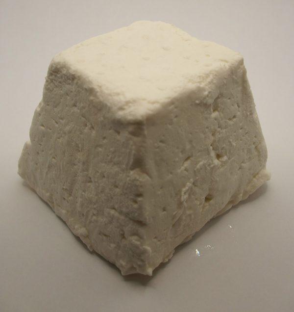 ferme de coubertin - pyramide fraiche de chèvre